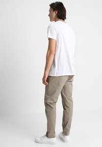 Legends - CENTURY TROUSERS - Chino kalhoty - khaki - 2