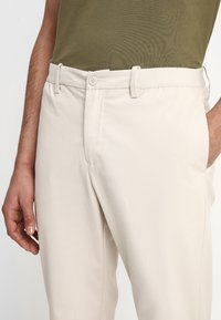 Legends - CENTURY TROUSERS - Chino - ecru - 3