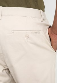 Legends - CENTURY TROUSERS - Chino - ecru - 5