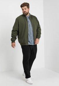Levi's® Plus - BIG CLASSIC - Shirt - indigo chambray - 1