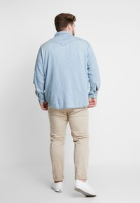 Levi's® Plus - BIG CLASSIC WESTERN - Shirt - red cast stone wash takedown - 2