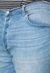 Levi's® Plus - 501® HEMMED  - Džínové kraťasy - light- blue denim - 5