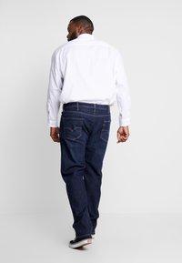 Levi's® Plus - 502™ TAPER - Jeans Tapered Fit - biologia adv - 2