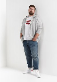 Levi's® Plus - BIG GRAPHIC TEE - T-shirt con stampa - hm white - 1