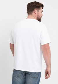 Levi's® Plus - BIG GRAPHIC TEE - T-shirt con stampa - hm white - 2