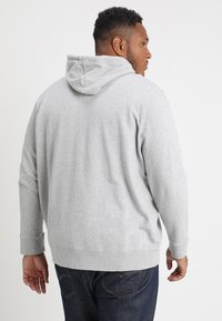 Levi's® Plus - BIG CLASSIC ZIP UP - Felpa aperta - medium grey heather - 2