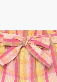 Lemon Beret - SMALL GIRLS  - Shorts - pink/yellow - 3