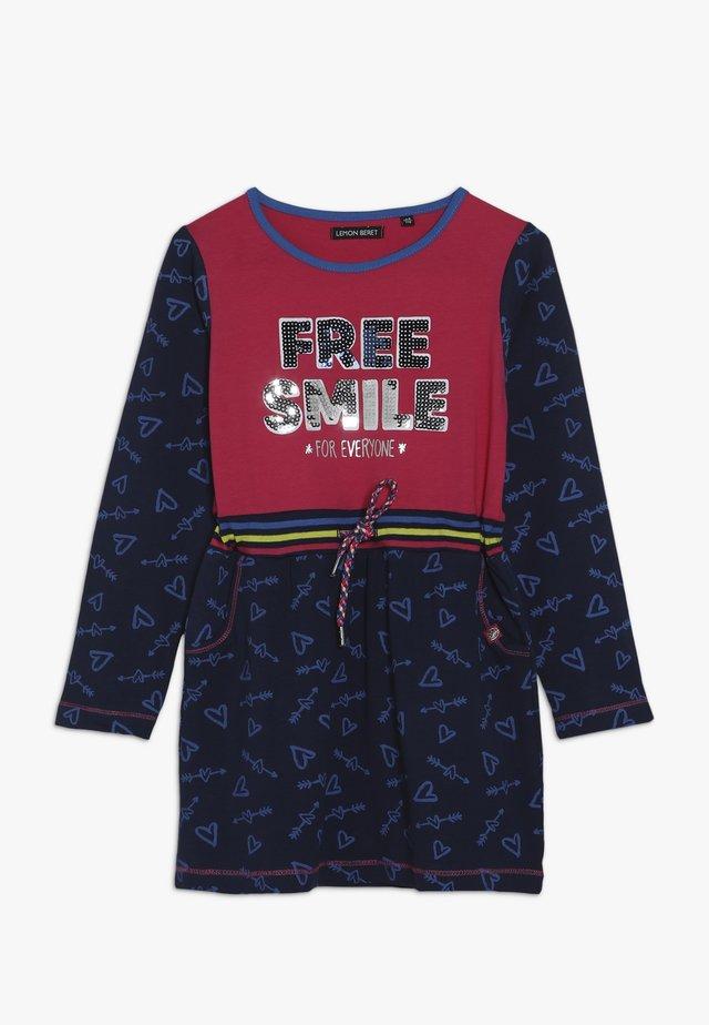 SMALL GIRLS DRESS - Žerzejové šaty - rasberry sorbet