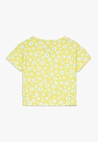 Lemon Beret - SMALL GIRLS  - T-shirt print - limelight - 1