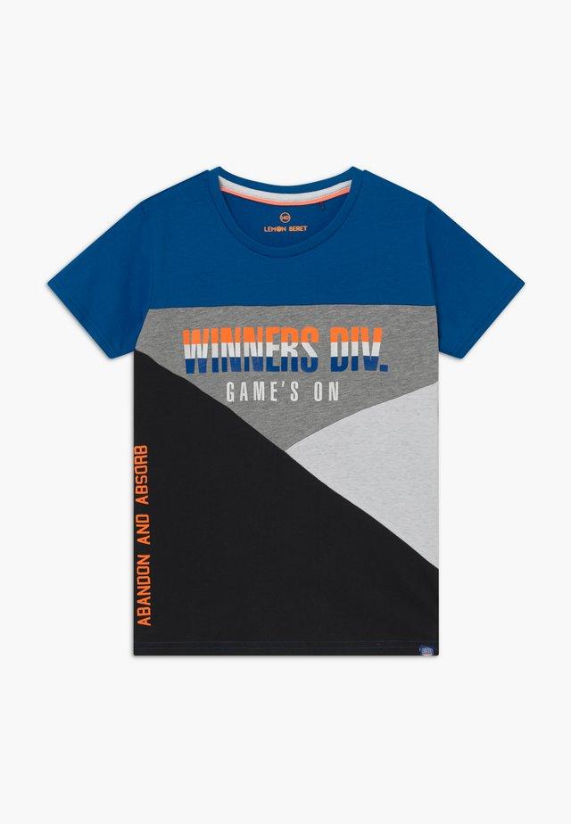 TEEN BOYS - T-shirt imprimé - princess blue