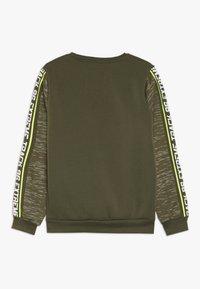 Lemon Beret - TEEN BOYS  - Sweatshirt - olive night - 1