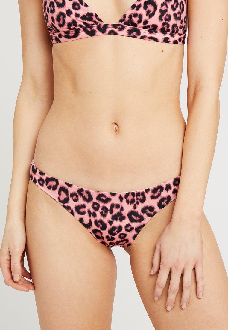 Les Girls Les Boys - LEOPARD BRIEF - Bikinibukser - pink
