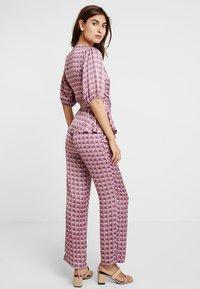 Levete Room - FIONA - Pantalones - rose dust combi - 2