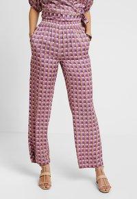 Levete Room - FIONA - Pantalones - rose dust combi - 0