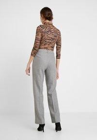Levete Room - GUNILLA - Trousers - light grey melange - 3