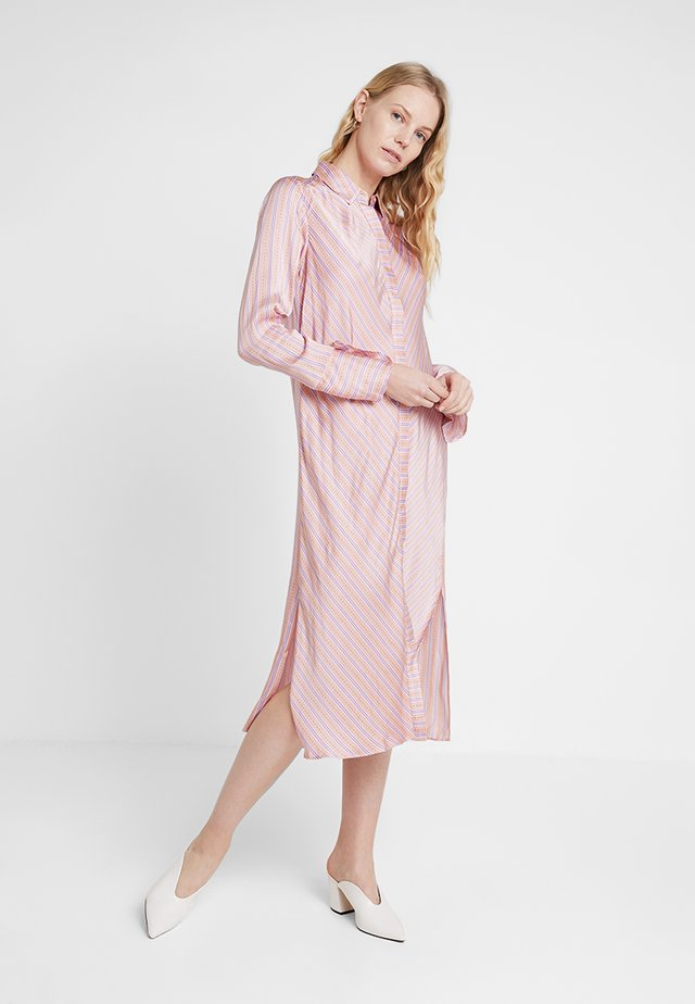 Shirt dress - peach combi