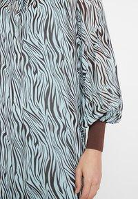 Levete Room - FELICITY - Vestido largo - mint combi - 5