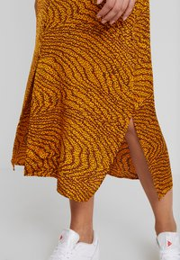 Levete Room - GHITA  - Blusenkleid - sudan brown - 5
