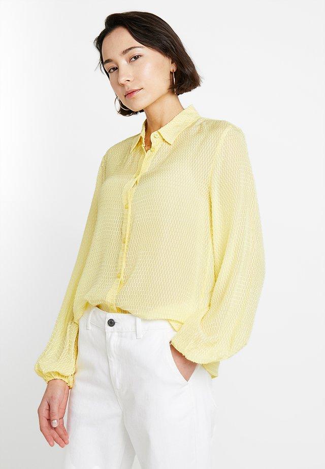 FELINA - Skjorte - sunshine