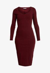 Lez a Lez - VESTIDO MALHA NEW HERVE - Pouzdrové šaty - bordo red wine - 4