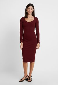 Lez a Lez - VESTIDO MALHA NEW HERVE - Pouzdrové šaty - bordo red wine - 0