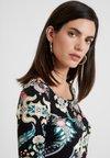 Lez a Lez - VESTIDO MALHA NEW STRETTO - Vestido de tubo - multi-coloured