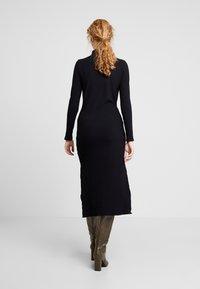 Lez a Lez - VESTIDO MALHA COSTINE MALAGA - Pouzdrové šaty - preto - 3