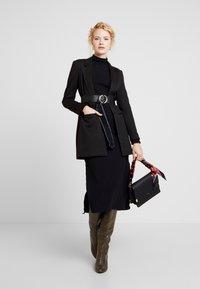 Lez a Lez - VESTIDO MALHA COSTINE MALAGA - Pouzdrové šaty - preto - 2