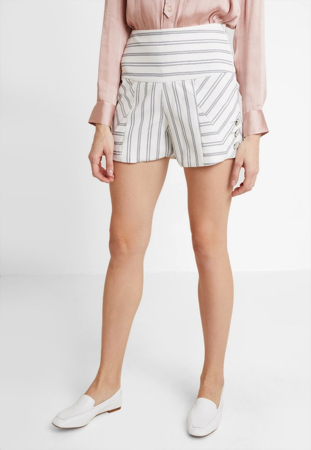 PETRA - Shorts - rustique