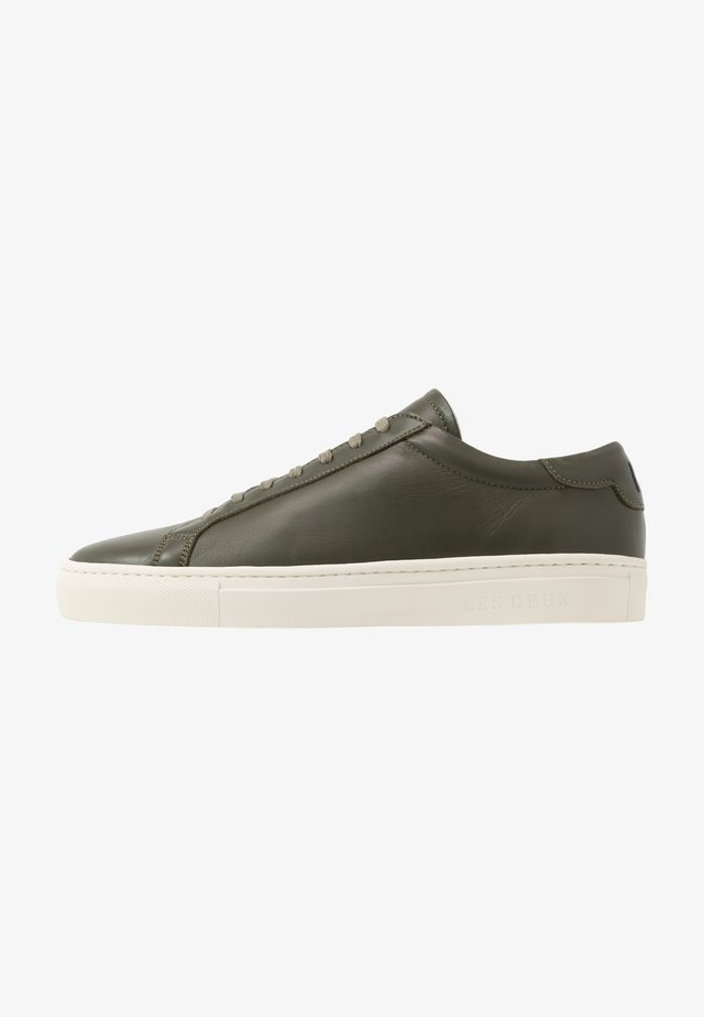 EXCLUSIVE CALLE  - Trainers - dark green