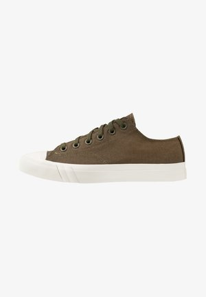 PRO-KEDS ROYAL - Matalavartiset tennarit - dark green/offwhite