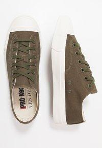 Les Deux - PRO-KEDS ROYAL - Tenisky - dark green/offwhite - 1
