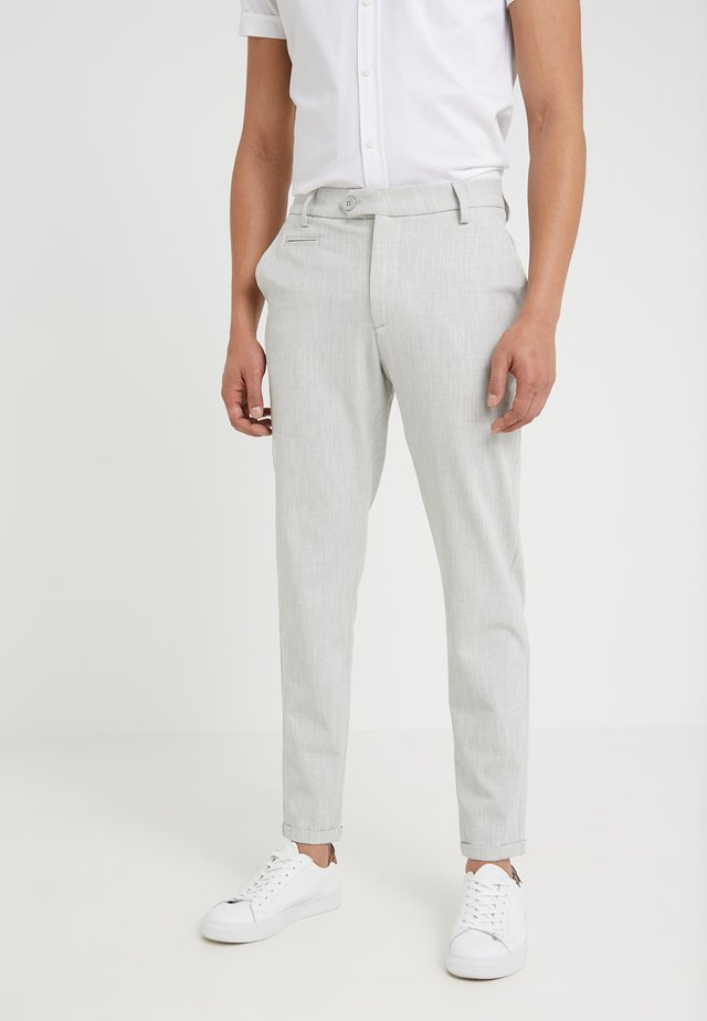 COMO LIGHT SUIT PANTS - Kangashousut - snow melange