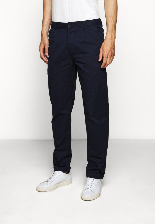 PINO PANTS - Chino kalhoty - dark navy