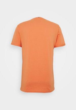 ENCORE  - Print T-shirt - dark papaya/dark navy