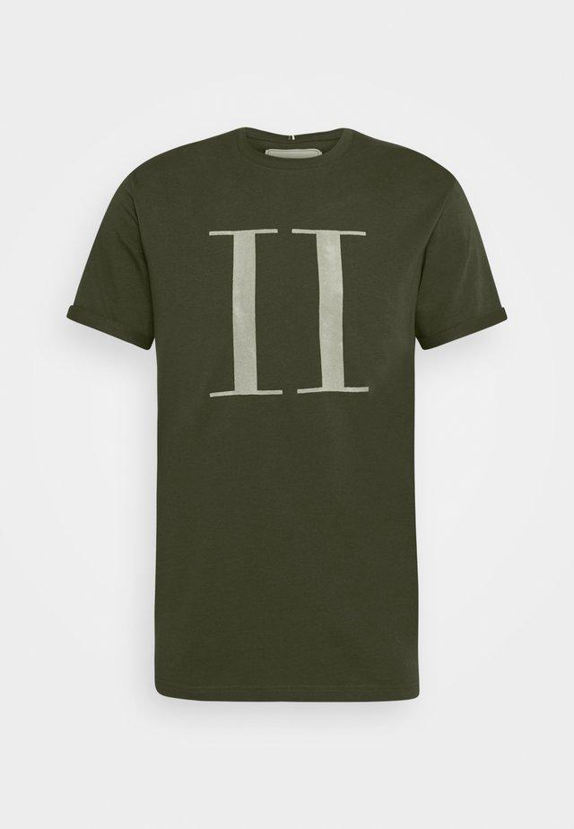 ENCORE  - T-shirts med print - deep forrest/sleet grey