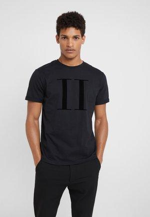 ENCORE  - T-shirt med print - black