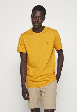 NORREGARD - Basic T-shirt - yellow