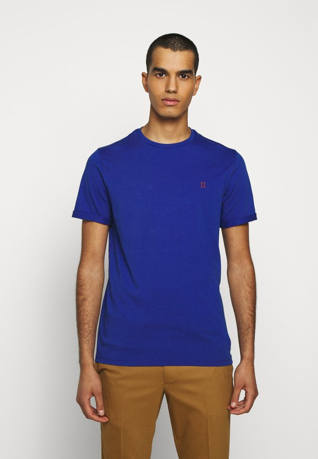 NØRREGAARD - Jednoduché triko - cobalt blue/orange