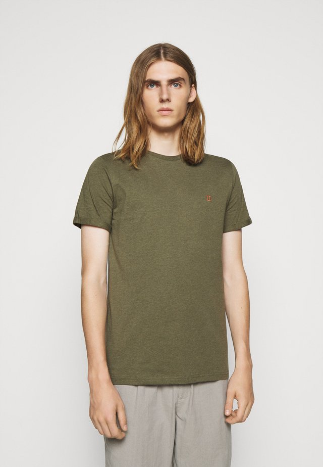 NØRREGAARD - Basic T-shirt - dark green melange/orange