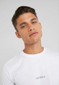 Les Deux - LENS - T-Shirt basic - white/black - 5