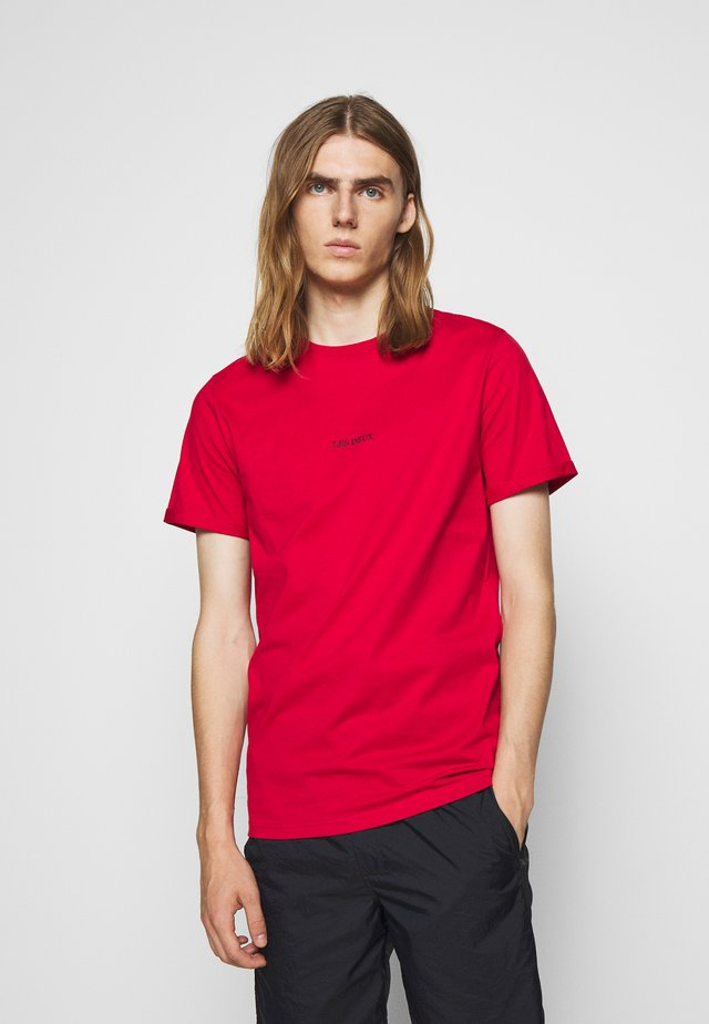 LENS - Basic T-shirt - red/black