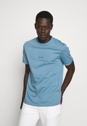 LENS - Basic T-shirt - provincial blue/navy