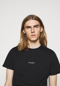 Les Deux - LENS - T-Shirt basic - black/white - 3