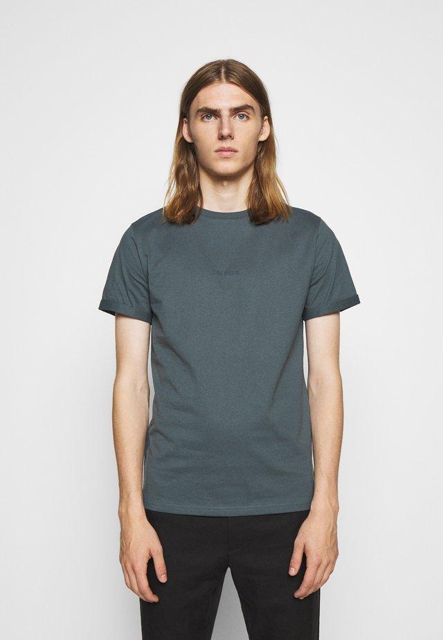 LENS - T-shirt con stampa - blue fog