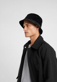 Les Deux - GRAHAM BUCKET HAT - Hat - black - 1