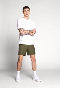 Le Fix - PATCH - Shorts - army - 1