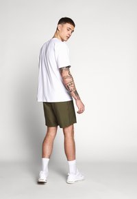 Le Fix - PATCH - Shorts - army - 2