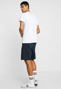 Le Fix - PATCH TEE - Jednoduché triko - white - 2