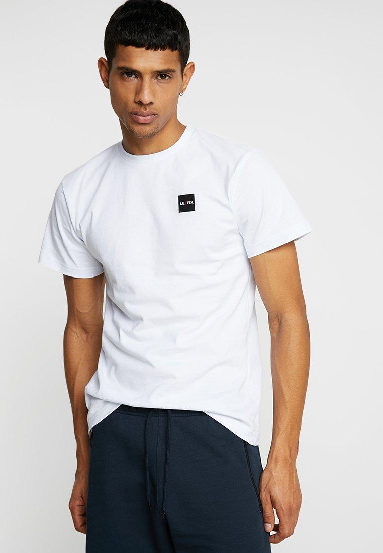 Le Fix - PATCH TEE - Jednoduché triko - white